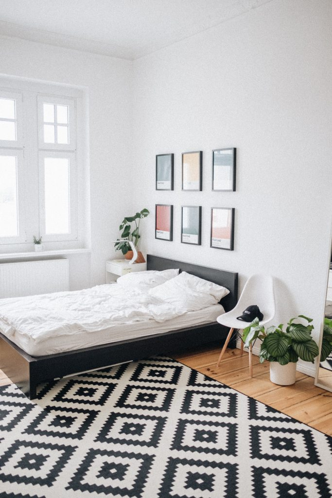 How to decorate a new home on a budget